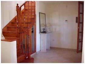 Comuna de san roque alquiler temporario casa de categor a for Modelos de escaleras de concreto para segundo piso